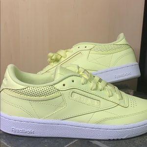 Reebok Club Sneaker in Lemon Leather - NWOT